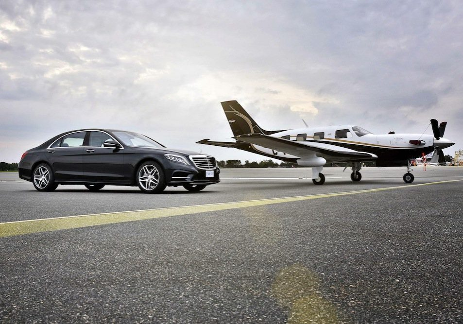 private  airfield chauffeurs